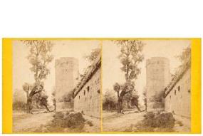 Frank M. Good. Córdoba, [fachada del alcázar de los Reyes Cristianos desde el río]. Estereoscopia en albúmina. 1869