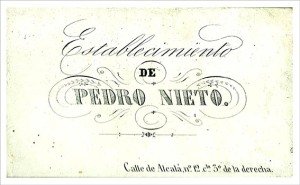 Etiqueta pegada al dorso del retrato debido al fotógrafo Pedro Nieto