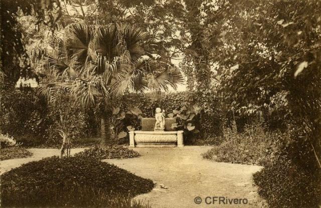 """Autor desconocido. Málaga.- """"El Retiro"""". Jardín de los Nogales. Ca. 1920. Tarjeta postal."""