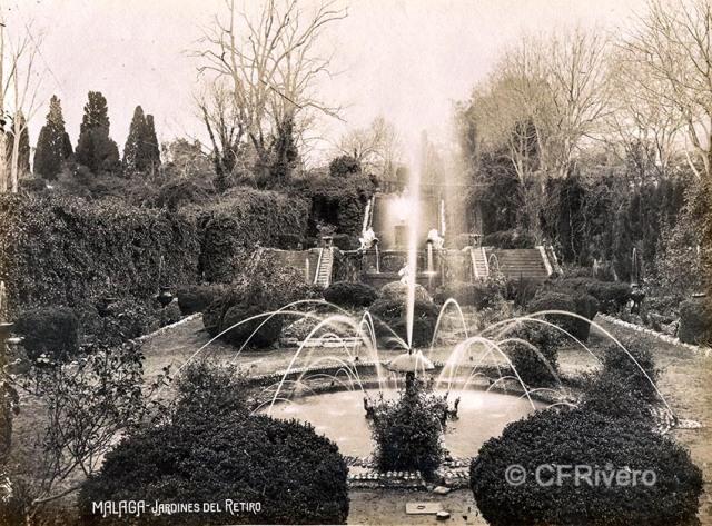 Autor desconocido. Málaga, Jardines del Retiro [fuente del Hongo y juegos de agua. Ca. 1910. Gelatina de plata. (CFRivero)