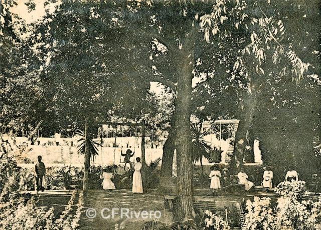 Lacoste ed. 12 Málaga.- El Retiro - Jardín de los tilos. Ca. 1910. Tarjeta postal. (CFRivero)