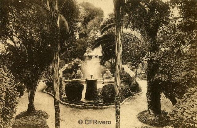 """Autor desconocido. Málaga.- """"El Retiro"""". Juegos de Aguas. Ca. 1920. Tarjeta postal."""
