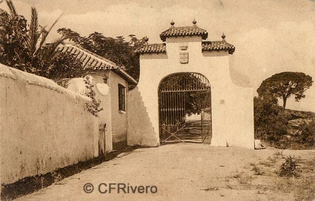 """Editor desconocido. Málaga.-""""El Retiro"""". Puerta principal. Ca. 1920. Tarjeta postal. (CFRivero)"""