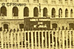 E. Joulia. Valencia, detalle del carro-laboratorio del fotógrafo ante la plaza de toros. Ca. 1865. Carte de visite en albúmina. (CFRivero)