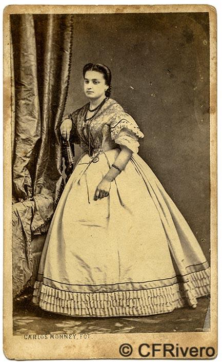 Charles Monney. Retrato de señora joven. Málaga. Ca. 1865. Carte de visite en albúmina. (CFRivero)