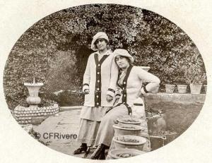 Autor desconocido. El Retiro (Málaga), dos jóvenes junto al Estanque Grande . Ca. 1918. Gelatina de plata sobre papel (CFRivero)