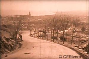 """Fotograma del cortometraje """"From Granada to Toledo"""", panorámica de Málaga. 1929. 16 mm sonora."""