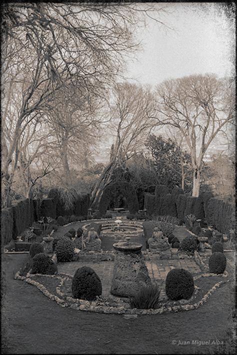 Fig. 18: Juan Miguel Alba. Málaga, El Retiro, perpectiva del Jardín Cortesano desde arriba. 1986.