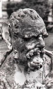 Fig. 13: Juan Antonio Fernández Rivero. Busto de un Sátiro. Málaga, El Retiro. 1986. CFRivero.