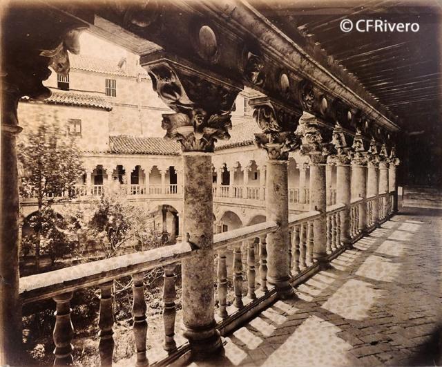 Juan Poujade y Señora. [Salamanca, Convento de Santa María de las Dueñas, Claustro, galería superior]. 1877. Albúmina (CFRivero)